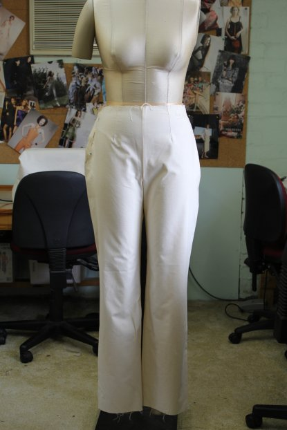 Front view of the English Pants Block Draft