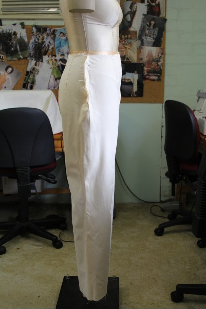 Side view of the English Pants Block Draft